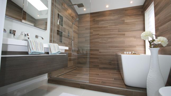 Remplacer un luminaire de salle de bains illico travaux for Salle de bain urbaine