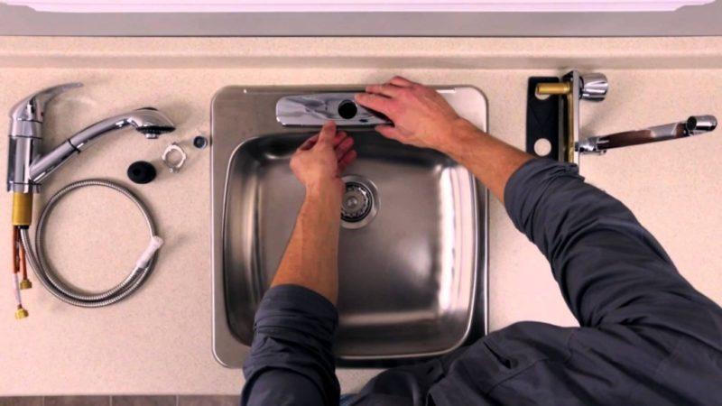 démonter sa cuisine en retirant son évier