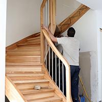 Menuisier installer escalier en bois