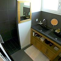 Rénovation de la plomberie dans une salle de bains