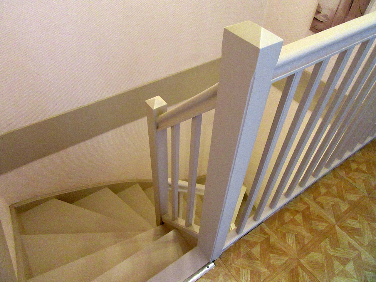 R nover un escalier int rieur ludres 54 for Amenager un escalier interieur
