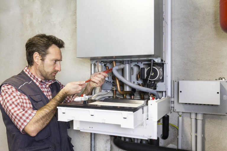 Plombier : l'artisan multifonctions