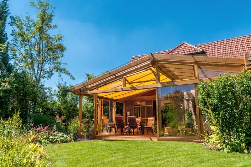 Véranda en bois - Agrandissement et extension de maison - illiCO travaux