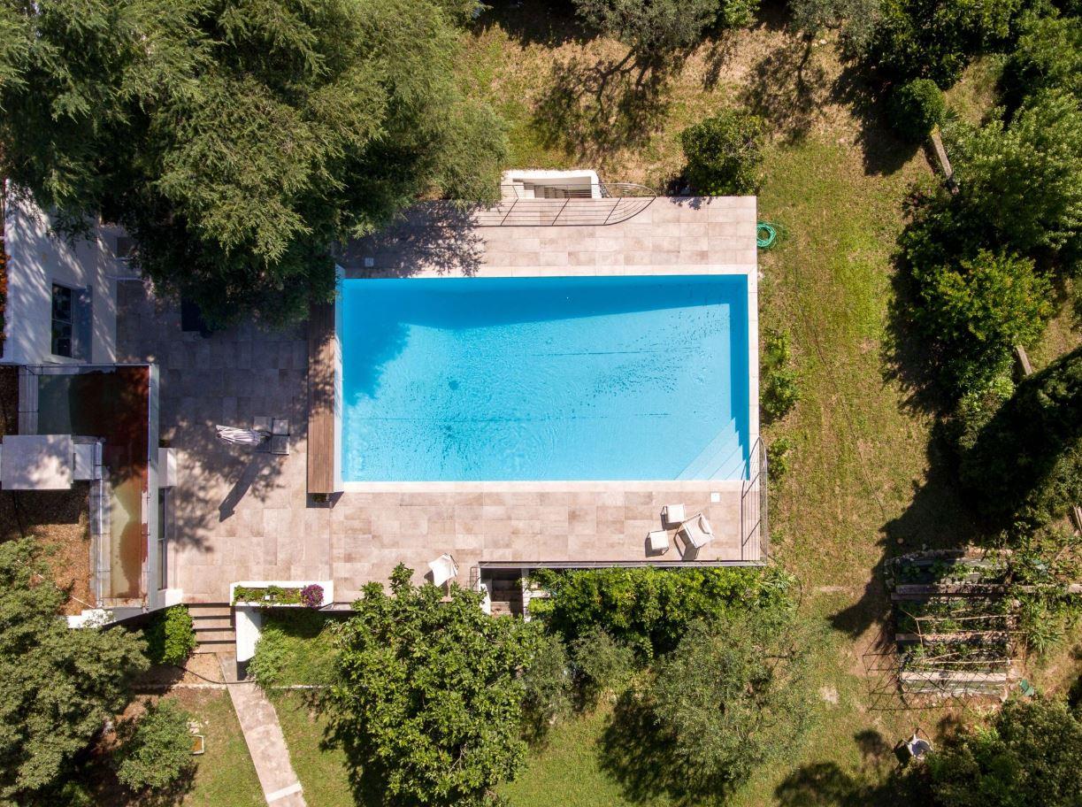 Des idées d'aménagement autour de la piscine