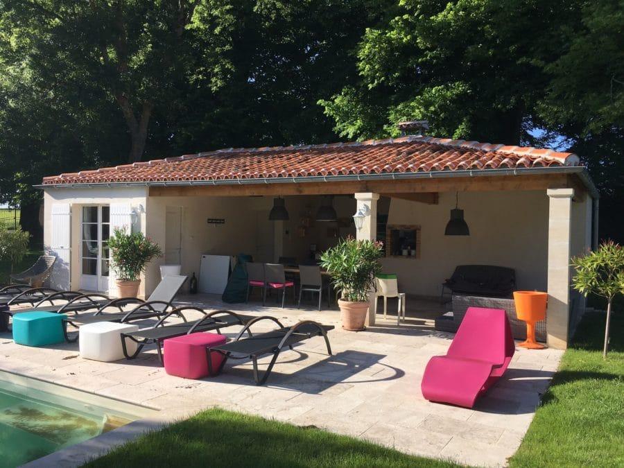 construction pool house amenagement exterieur illico. Black Bedroom Furniture Sets. Home Design Ideas
