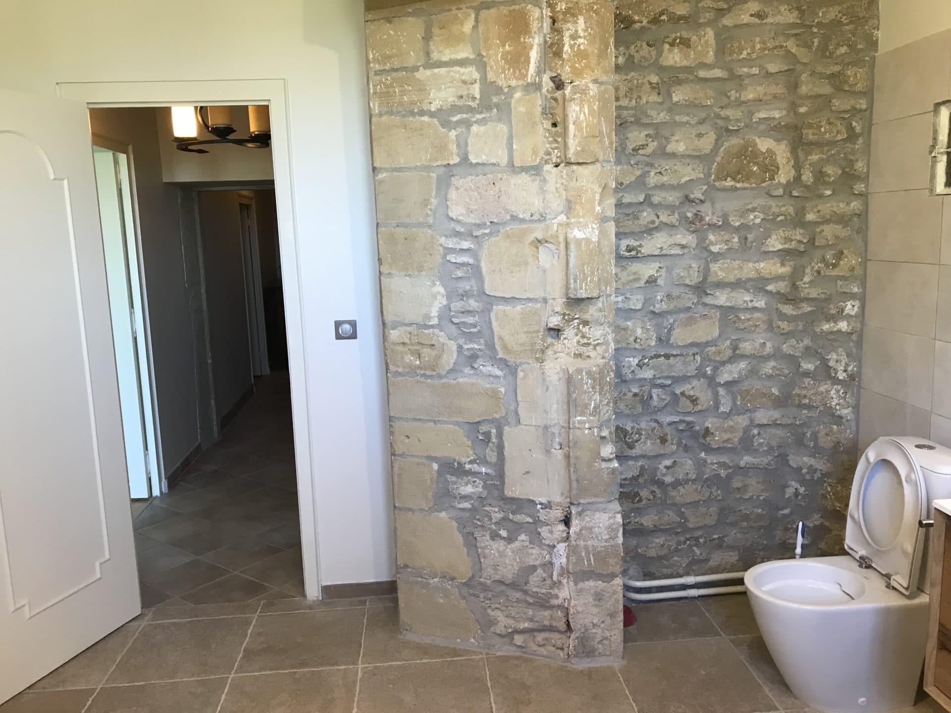Rénovation d'un château à Neuville sur Saône (69)