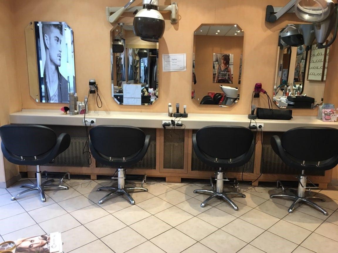 r�novation salon de coiffure � champs sur marne - local