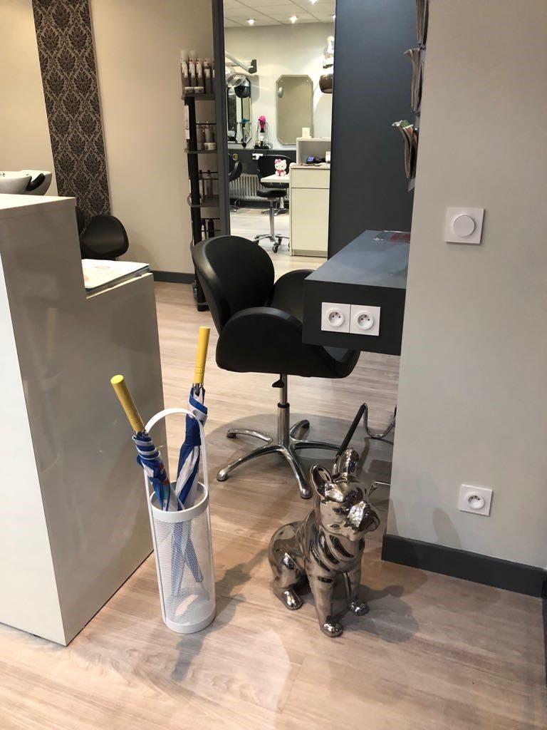 Rénovation d'un salon de coiffure à Champs sur Marne (77)