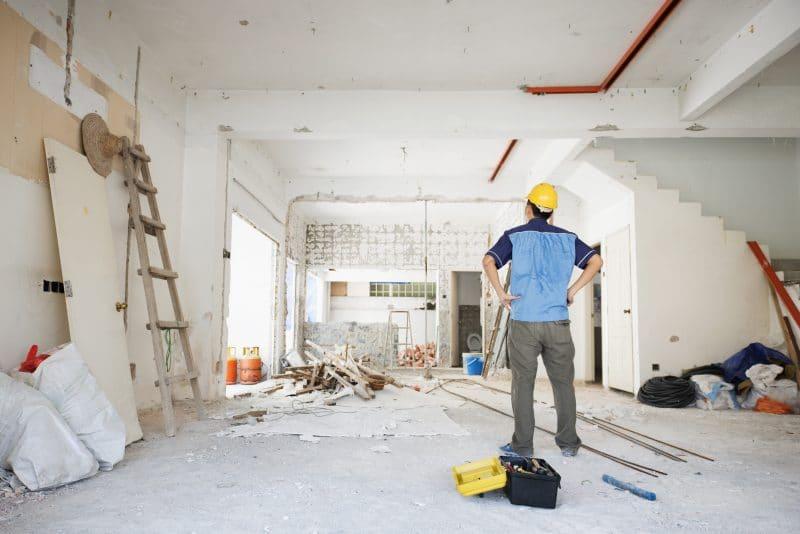 rénovation maison appartement ouverture artisan travaux escalier