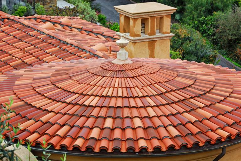 La terre cuite, le matériau roi des toitures