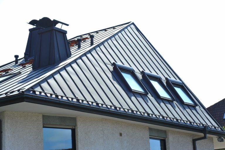 L'acier, un bon compromis en toiture