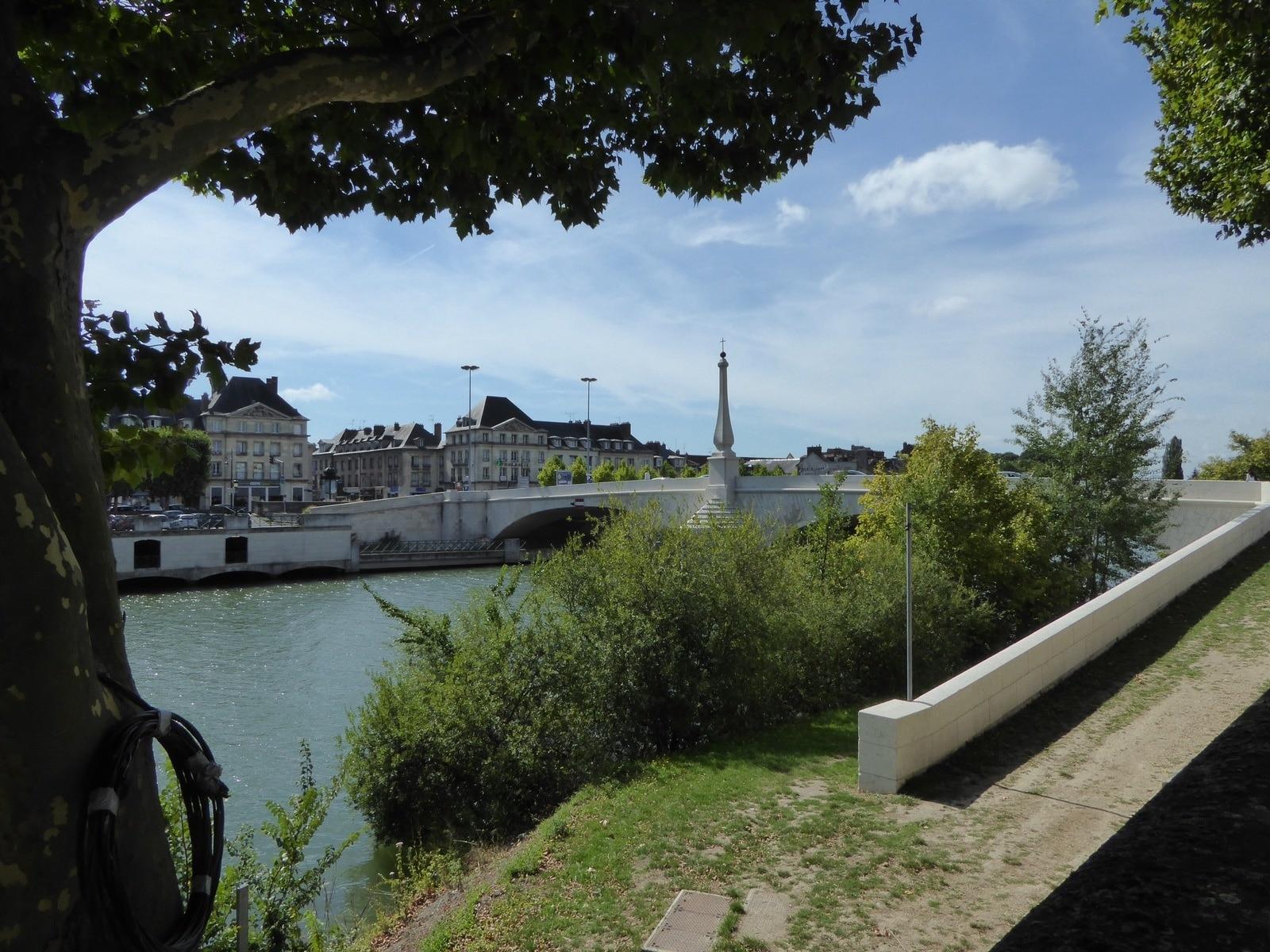 Une nouvelle agence illiCO travaux à Compiègne