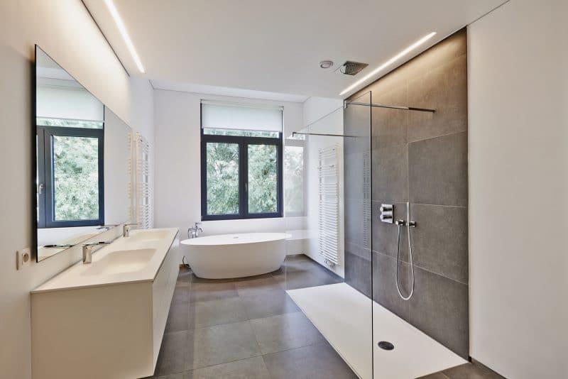 Rénovation salle de bain avec douche italienne