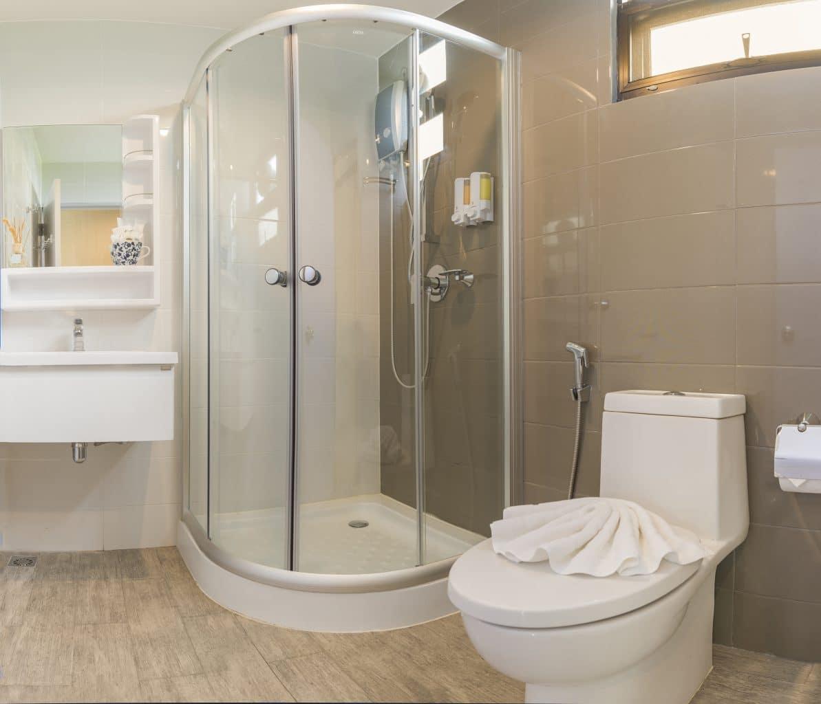 rénovation salle de bain avec cabine de douche