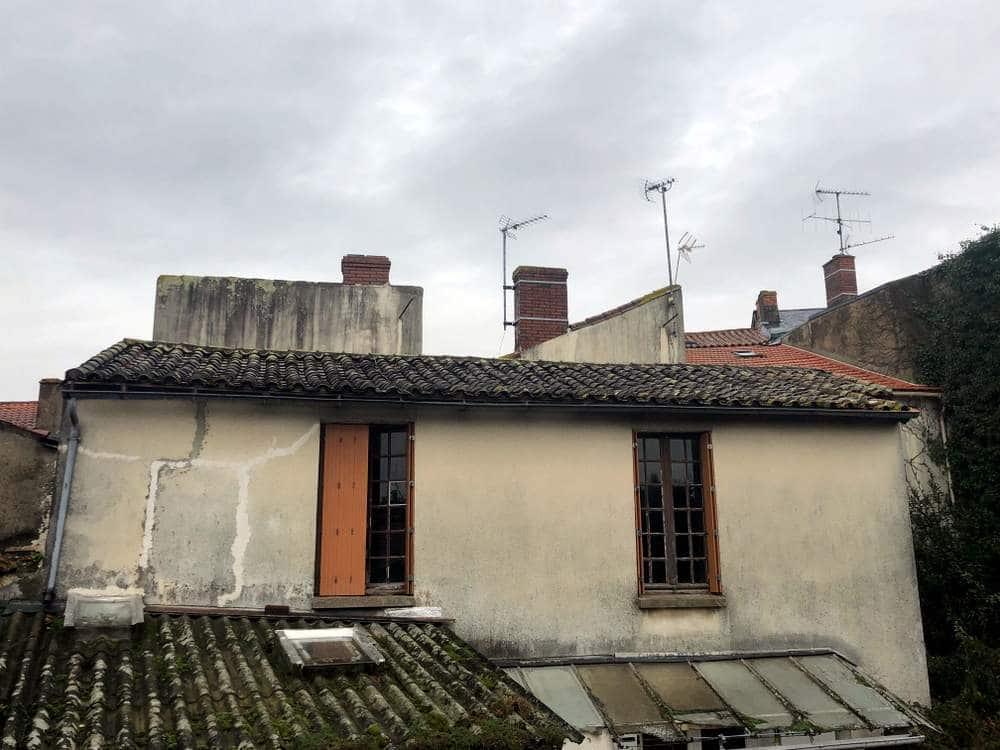 Rénovation de toiture à La Roche-Sur-Yon avant travaux de rénovation