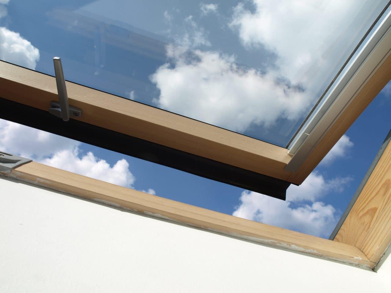fenêtre de toit ouverte