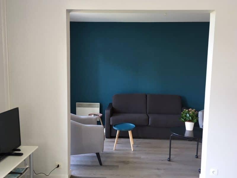 rénovation appartement salon peinture sol PVC parquet Vannes