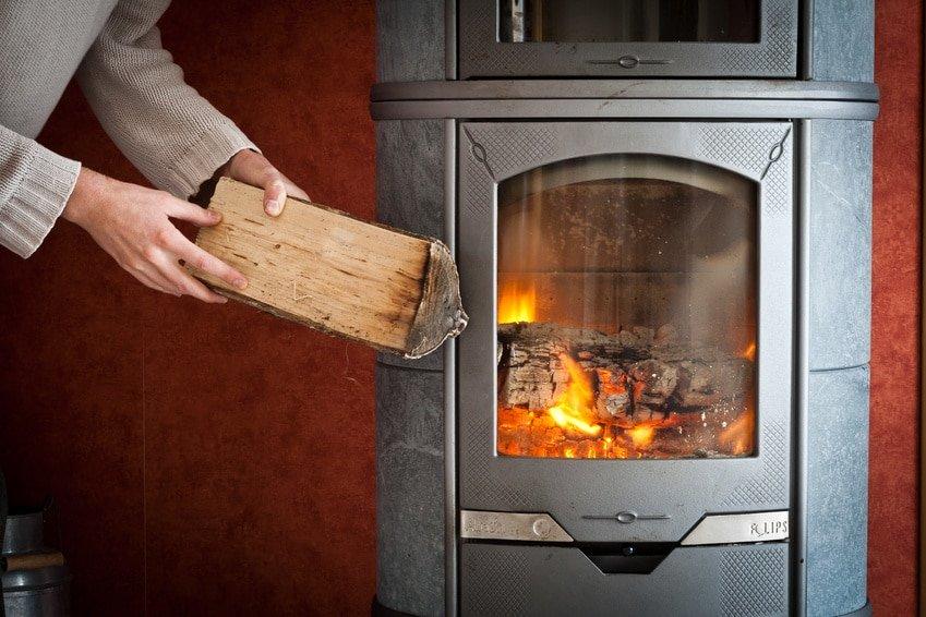 chauffage par poêle à bois