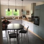 extension de maison toit plat cuisine moderne fonctionnelle carrelage Grandchamp-des-Fontaines