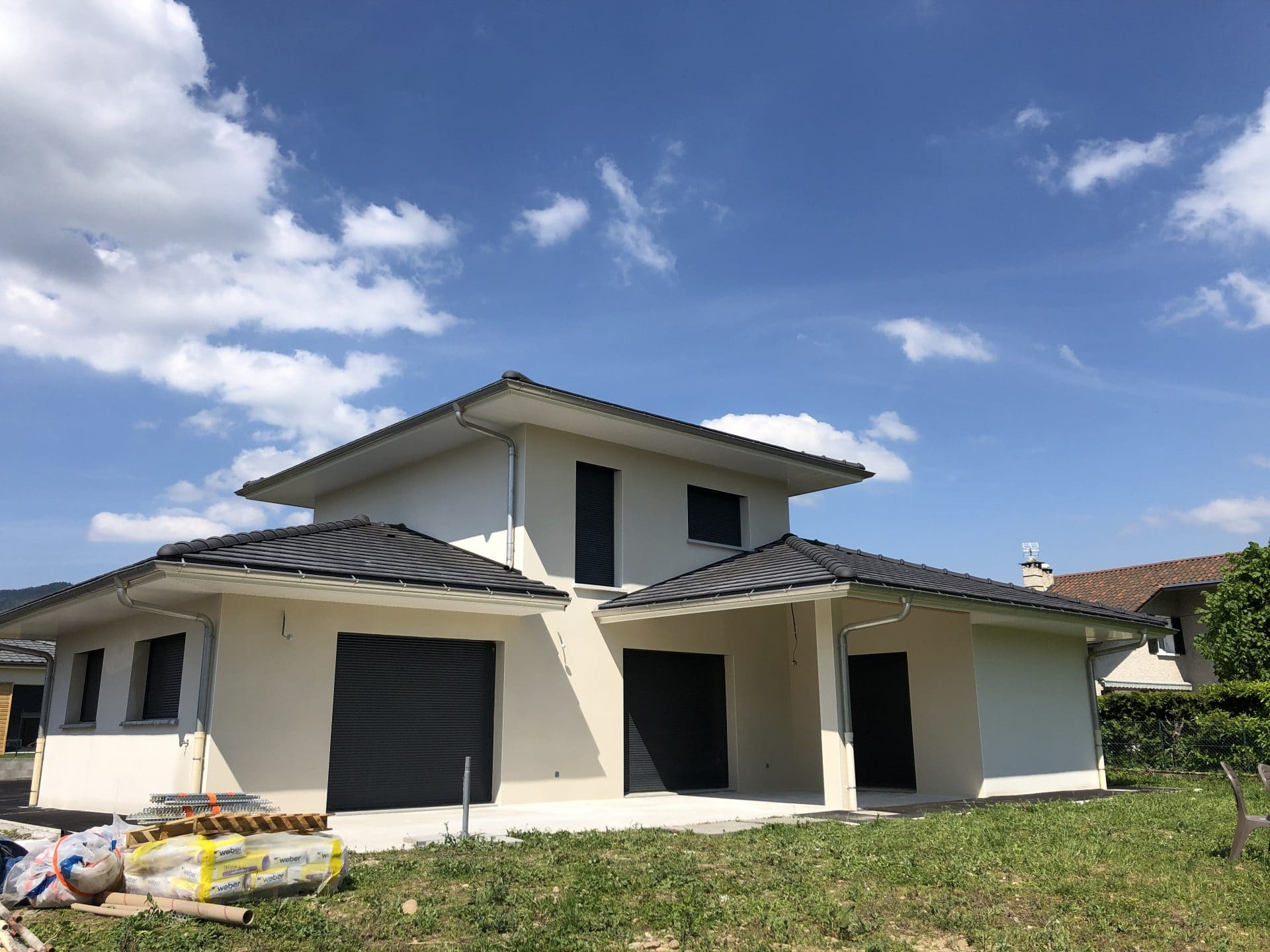 Réalisation d'une façade de maison neuve à Grenoble (38)
