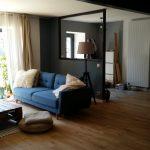 rénovation longère salon séjour verrière baie vitrée parquet contrecollé escalier Landaul