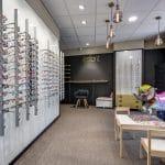 rénovation magasin optique panneaux muraux lunettes peinture Châtellerault