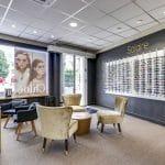 rénovation magasin optique entrée panneaux muraux peinture Châtellerault