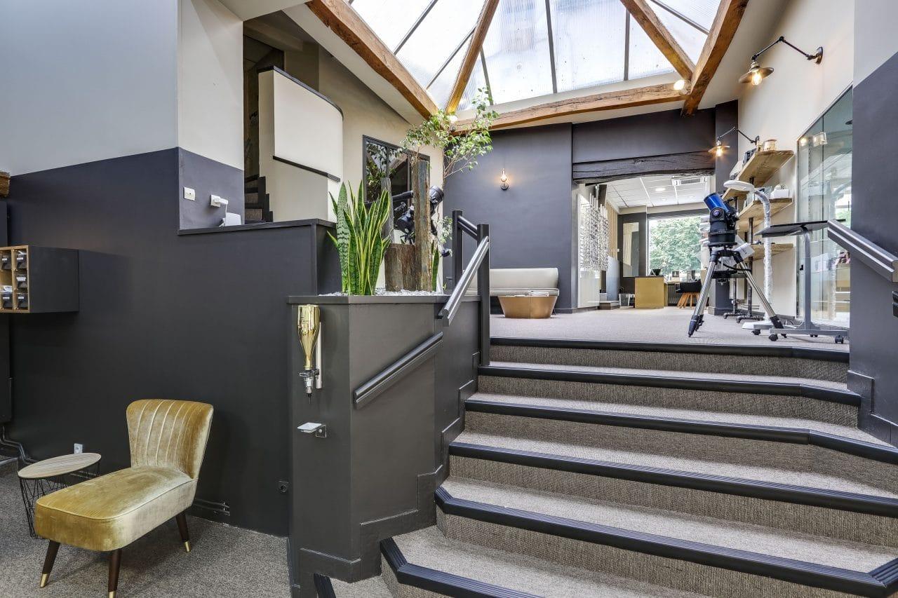 rénovation magasin optique revêtement peinture escalier Châtellerault