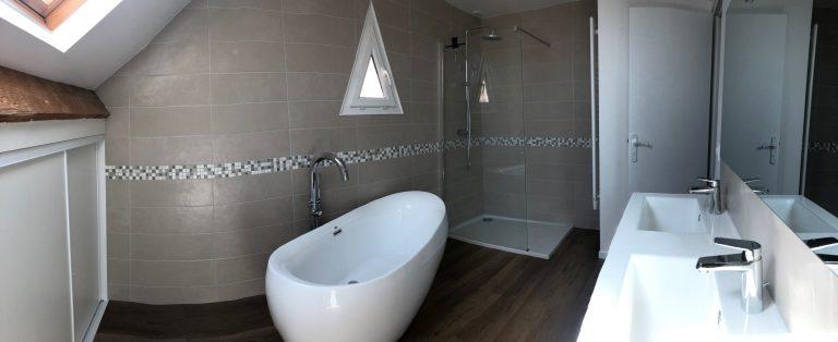 Salle de bain complètement transformée à Chanteloup-en-Brie (77)