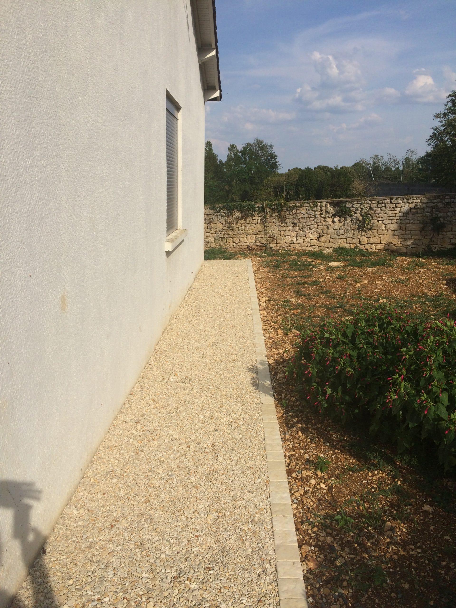 Aménagement d'extérieur d'une maison à Niort (79)