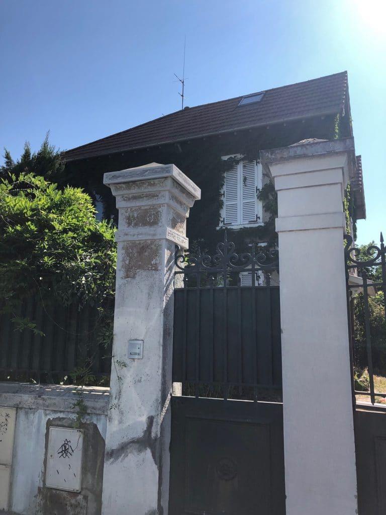 Rénovation de poteau mouluré et d'un mur à Villeurbanne (69)