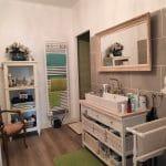 rénovation maison meuble vasque en bois faïence sèche-serviettes parquet stratifié Villefranche-sur-Saône