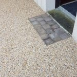 aménagement extérieur allée paillasson de propreté entrée gravillons Lorient