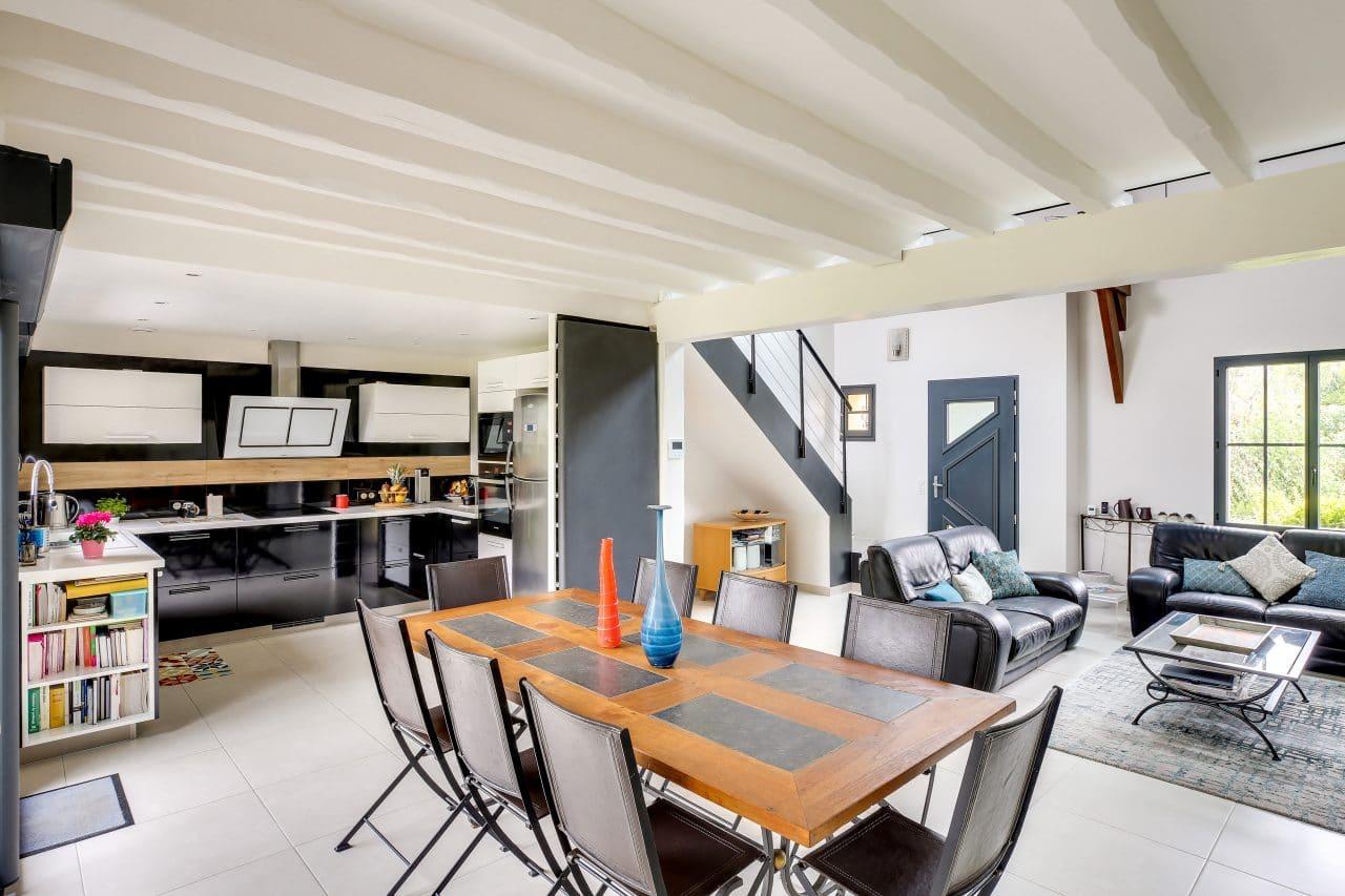 rénovation intérieure maison salle à manger cuisine mise en peinture Vernon