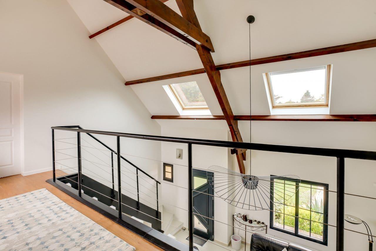 rénovation intérieure maison mezzanine garde-corps peinture velux Vernon