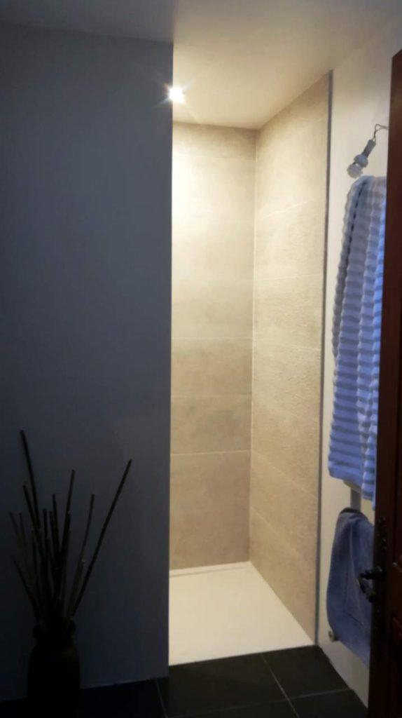 r novation salle de bain roubaix par notre expert travaux. Black Bedroom Furniture Sets. Home Design Ideas