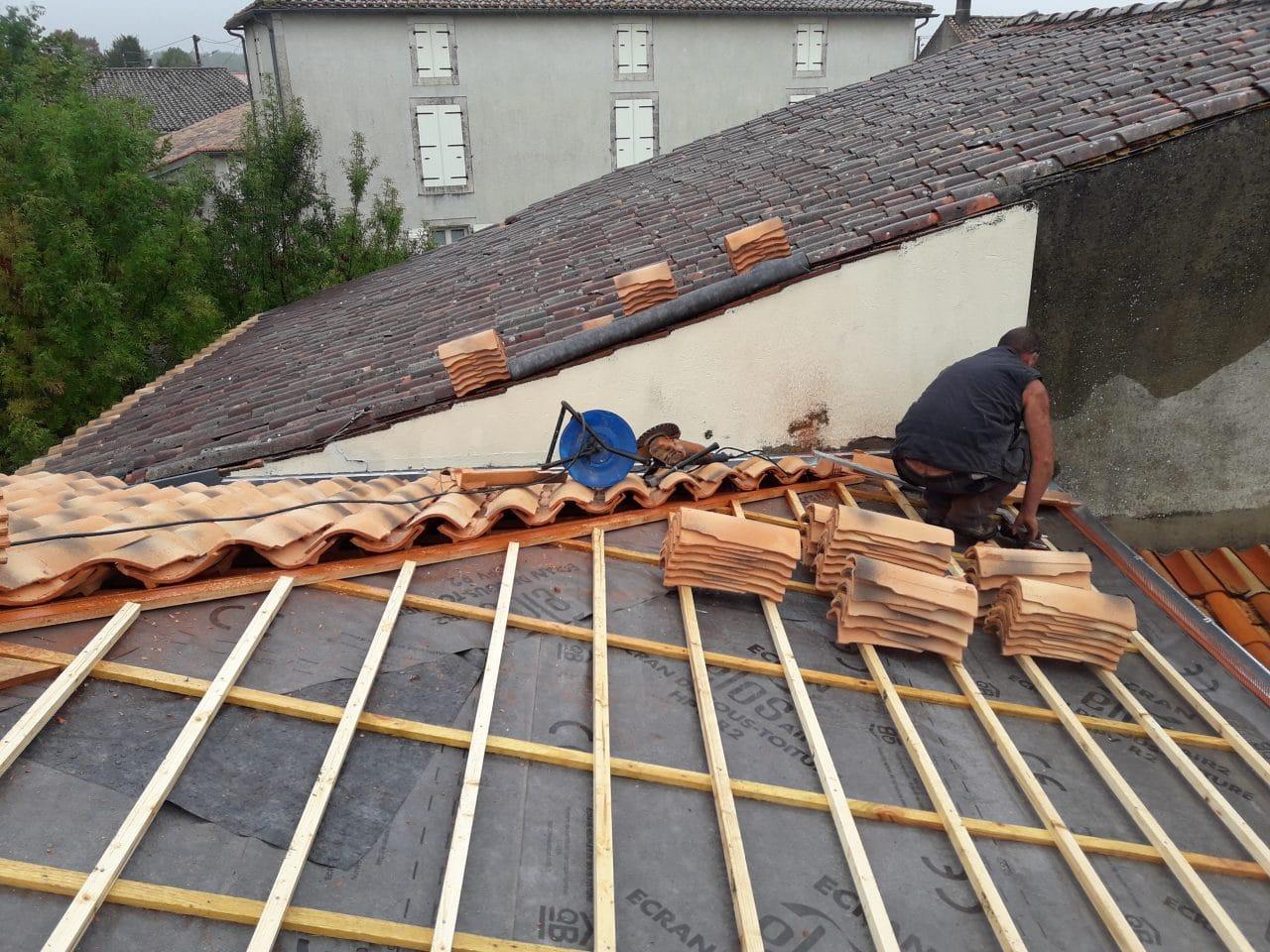 rénovation toiture volige de liteau tuiles écran sous toiture Saint-Hilaire-la-Palud