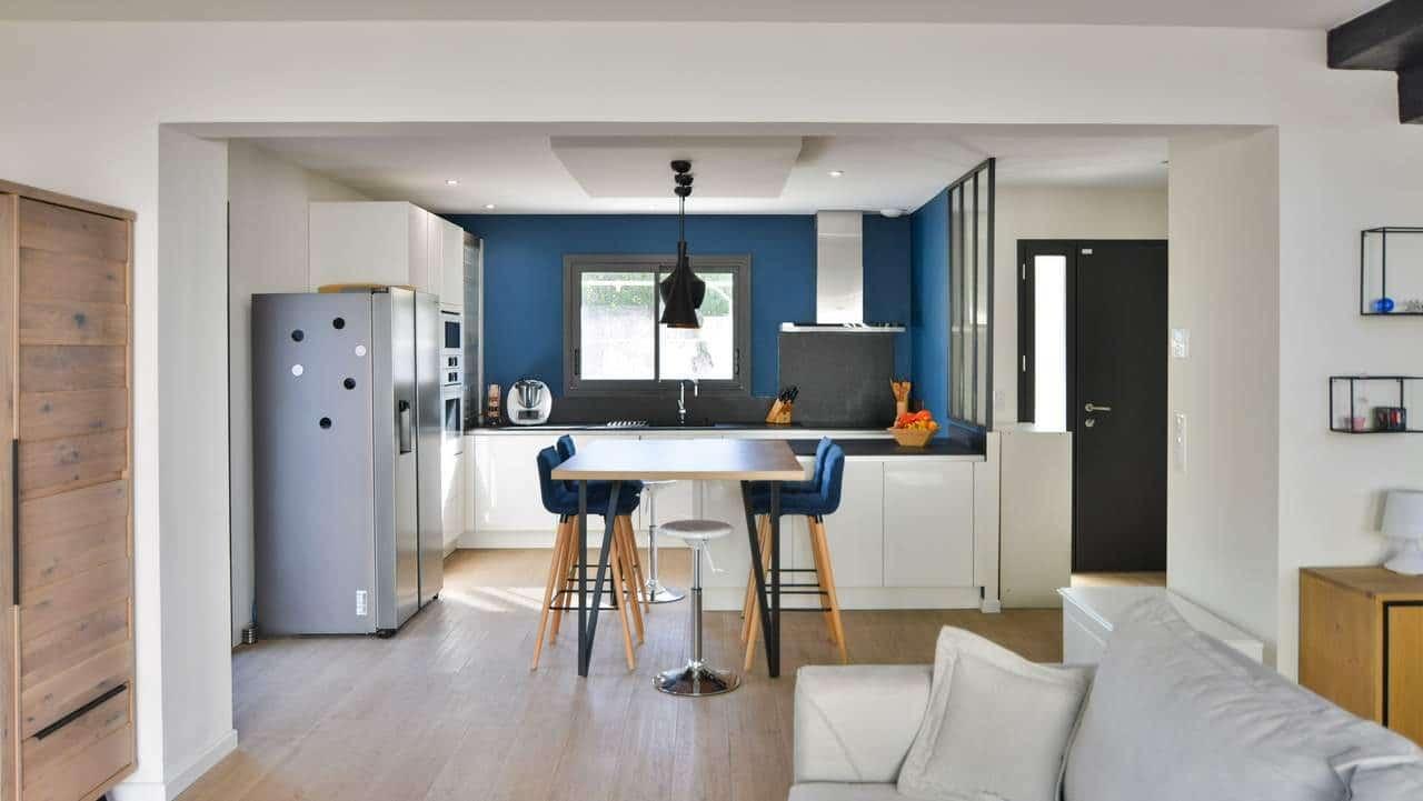 rénovation d'une villa à Montpellier : cuisine et entrée