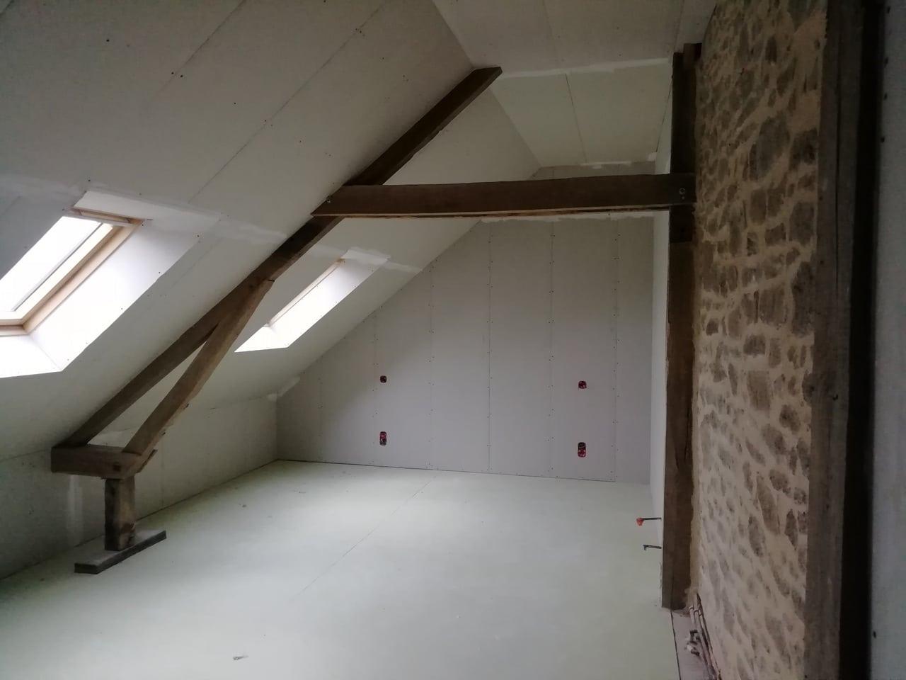 Aménagement de combles et création d'un bureau à Fougères (35)