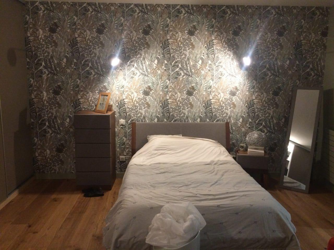 rénovation appartement loft chambre tapisserie peinture parquet massif Niort
