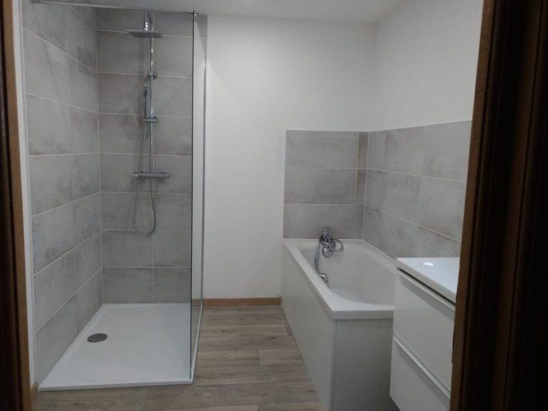 Métamorphose d'une salle de bain à Harnes (62)