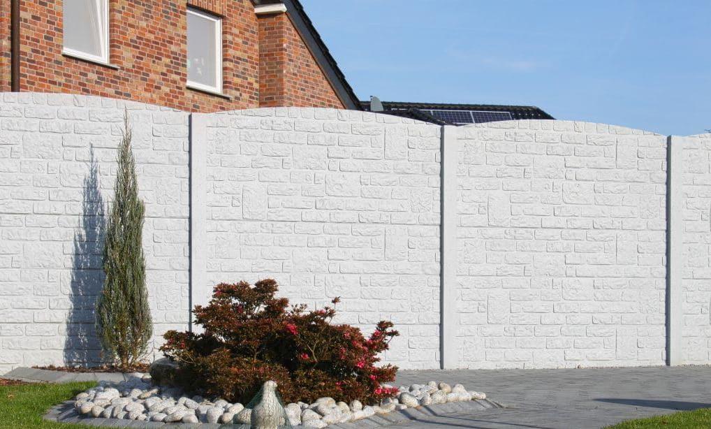 Palissade en béton pour clôtures ou murs