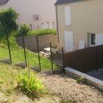aménagement extérieur près d'Auxerre : pose de la clôture réalisée