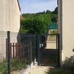 aménagement extérieur près d'Auxerre : pose d'une porte extérieure