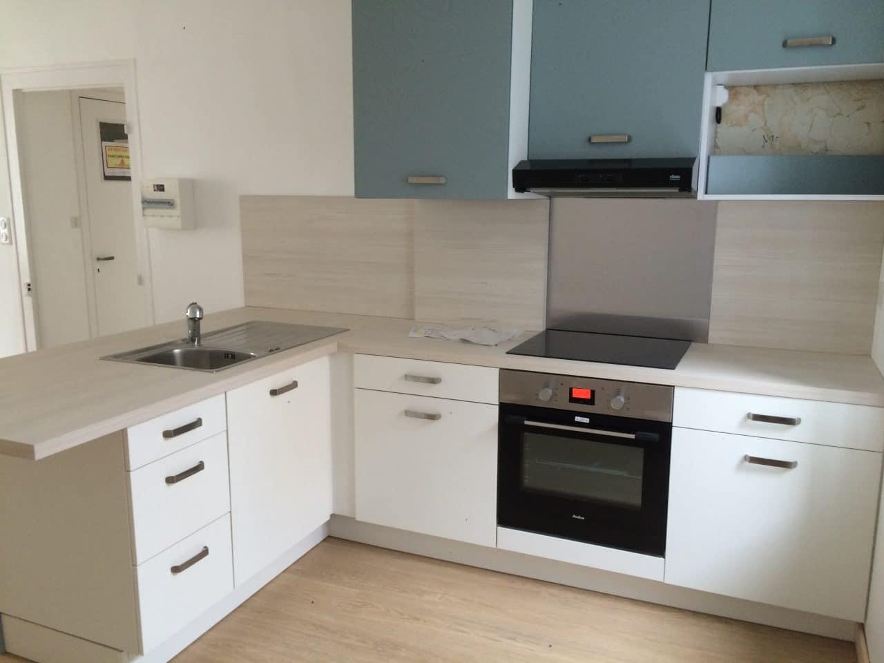 rénovation appartement Quimper en vue d'une location : cuisine après travaux