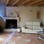 rénovation maison intérieure salon re jointement pierre sablage poutre Lapouyade
