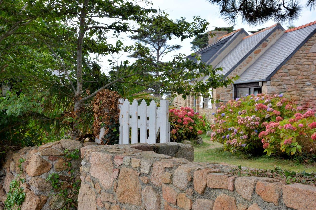 jolie maison en pierre rénovée