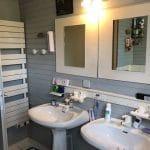 aménagement salle de bain Saint Selve lavabo avant travaux de rénovation