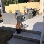 Création terrasse béton à Lormont : livraison de la terrasse avec deux marches d'accès