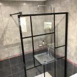 rénovation salle de bain douche paroi verrière design Pays Voironnais